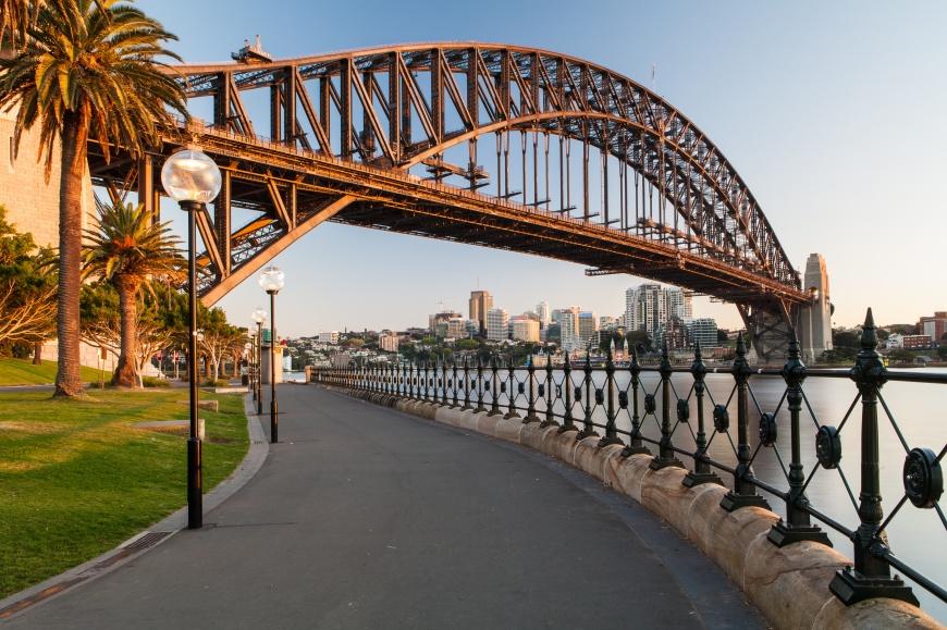Sydney Harbour Bridge in a quiet spring sunrise in Sydney, Australia